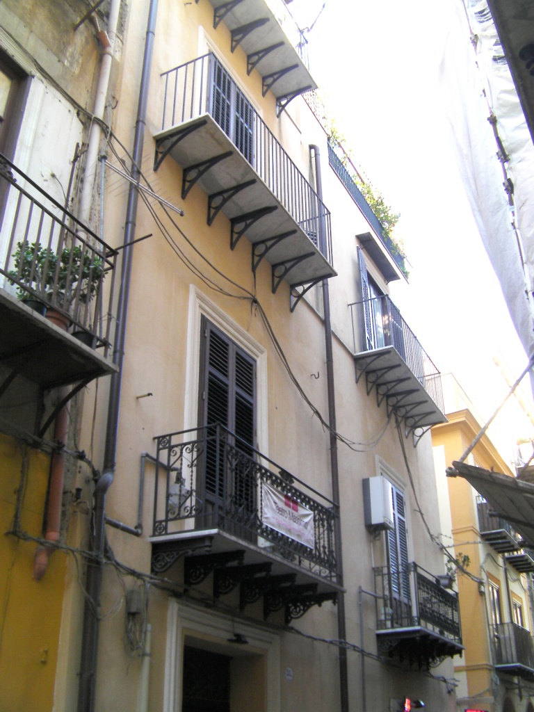 Teatro Massimo pressi Bivani