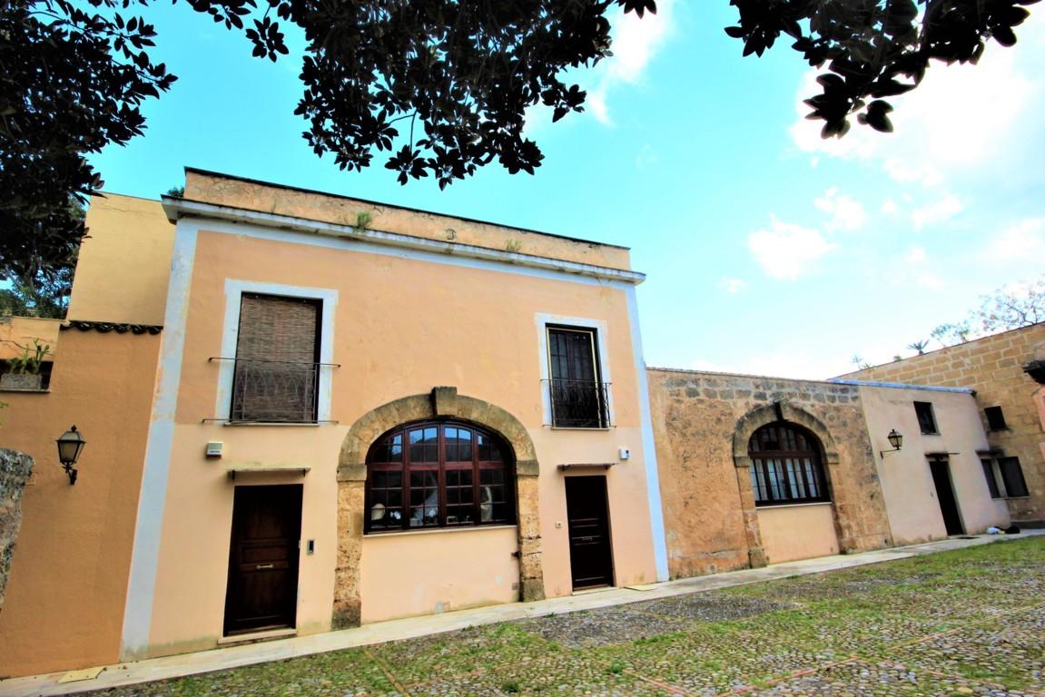 Appartamento con giardino in Villa Castelforte