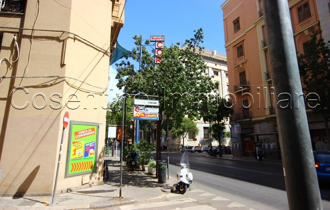 Via Firenze- locale commerciale